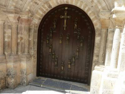 Ruta Cares-Picos de Europa; monasterio bonaval senderismo madrid arawak cancho de la cabeza